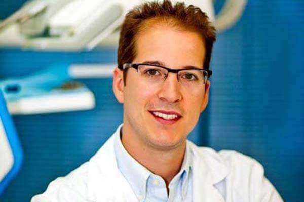 Especialista en rinoplastia Dr. Macía Colón
