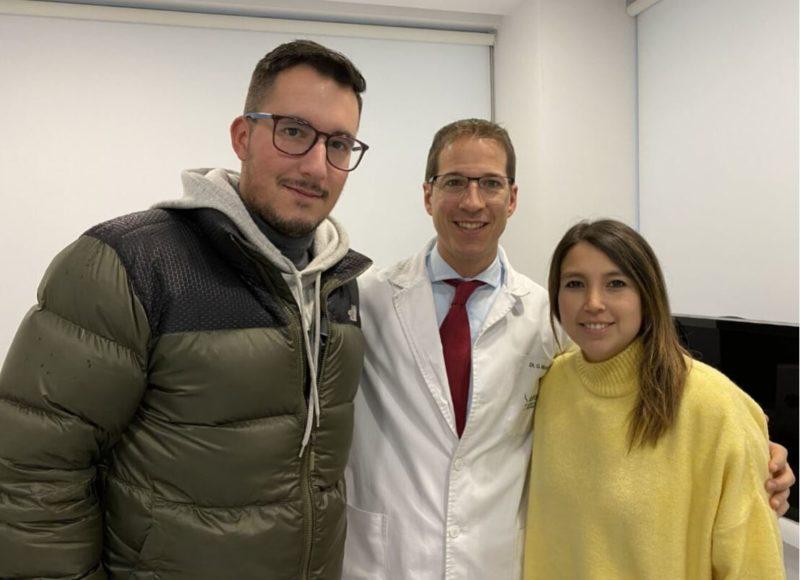Dr Macia con paciente